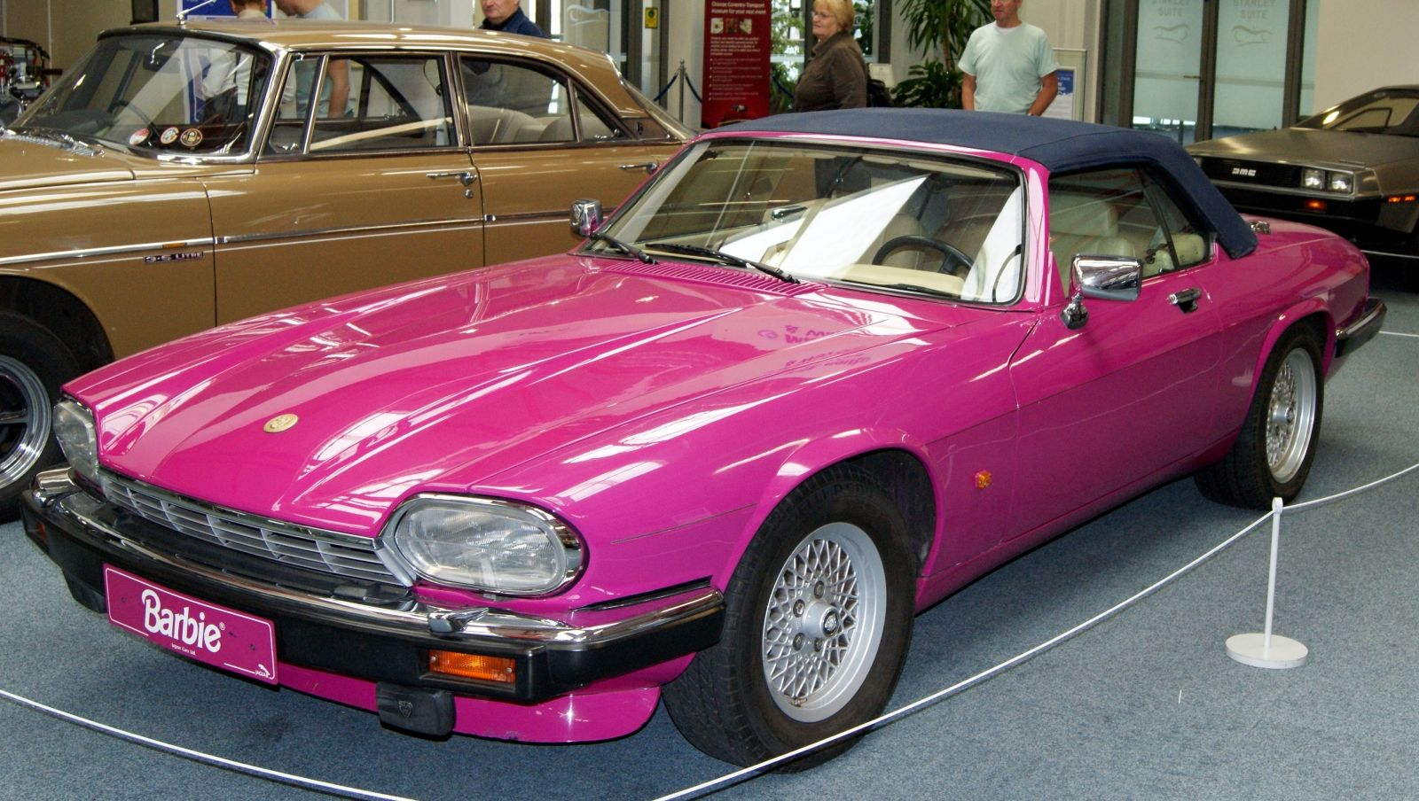 Special cars  Jaguar XJS V12 5 3 Cabriolet Barbie by Mattel